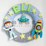 Khám phá vũ trụ với vòng tên handmade phi hành gia